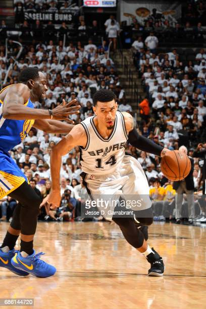 Danny Green of the San Antonio Spurs drives to the basket during the game against the Golden State Warriors during Game Three of the Western...