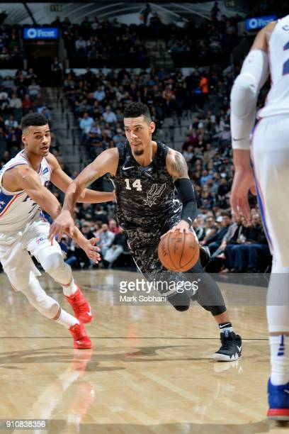 Danny Green of the San Antonio Spurs handles the ball against the Philadelphia 76ers on January 26 2018 at the ATT Center in San Antonio Texas NOTE...