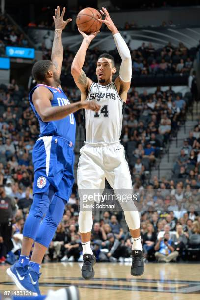 Danny Green of the San Antonio Spurs shoots the ball against the LA Clippers on November 7 2017 at the ATT Center in San Antonio Texas NOTE TO USER...