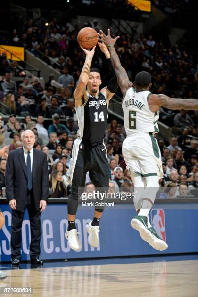 Danny Green of the San Antonio Spurs shoots the ball against the Milwaukee Bucks on November 10 2017 at the ATT Center in San Antonio Texas NOTE TO...