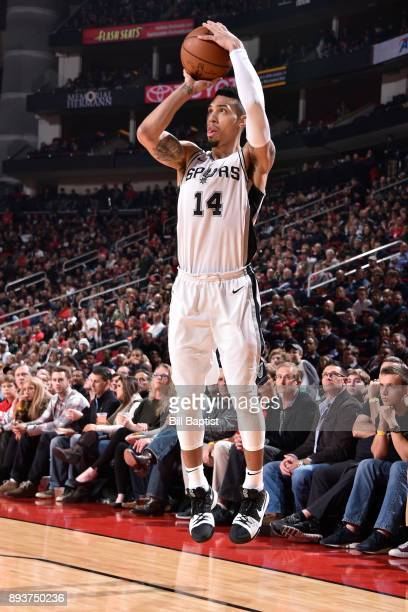 Danny Green of the San Antonio Spurs shoots the ball against the Houston Rockets on December 15 2017 at the Toyota Center in Houston Texas NOTE TO...