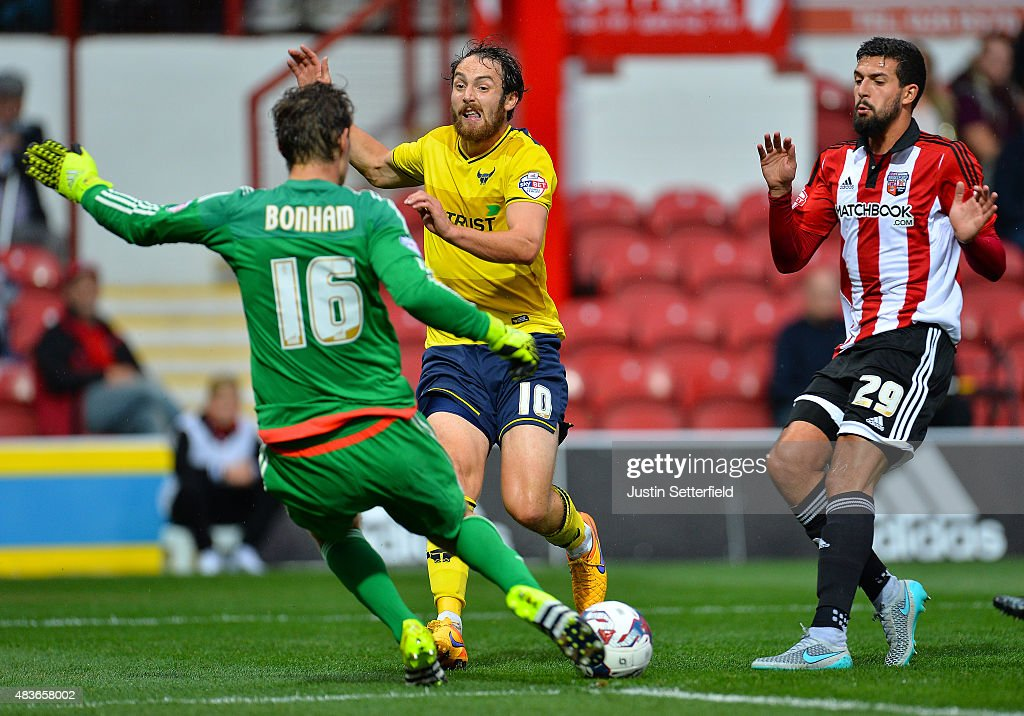 Brentford v Oxford United - Capital One Cup First Round : News Photo