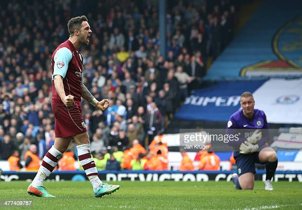 Danny Ings of Burnley celebrates the goal of team mate Jason Shackell with Paul Robinson, Goalkeeper of Blackburn Rovers looking on during the Sky...
