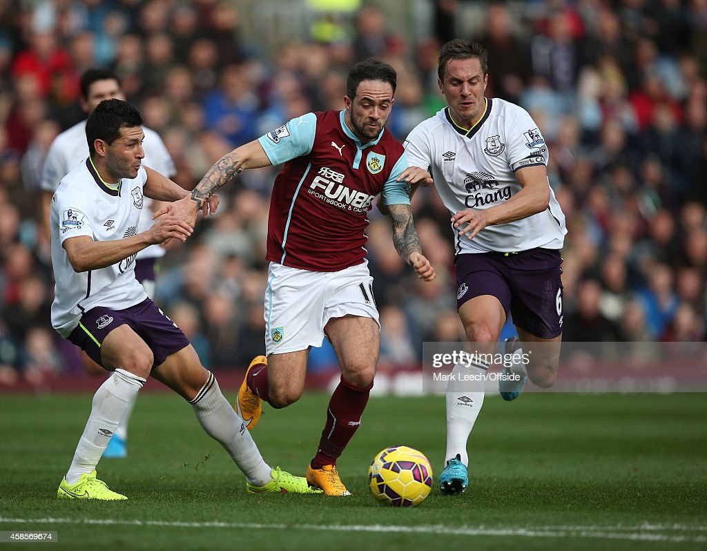 Burnley v Everton Premier League : News Photo