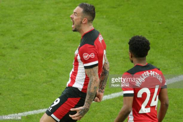 Danny Ings of Southampton celebrates after he scores a goal to make it 1-1 during the Premier League match between Southampton FC and Burnley FC at...