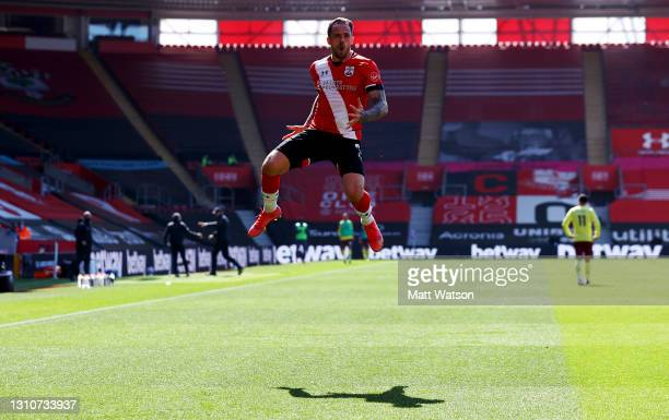 Danny Ings of Southampton celebrates after making it 2-2 during the Premier League match between Southampton and Burnley at St Mary's Stadium on...