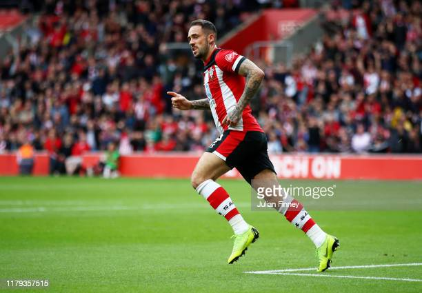 Danny Ings of Southampton celebrates after scoring his team's first goal during the Premier League match between Southampton FC and Chelsea FC at St...