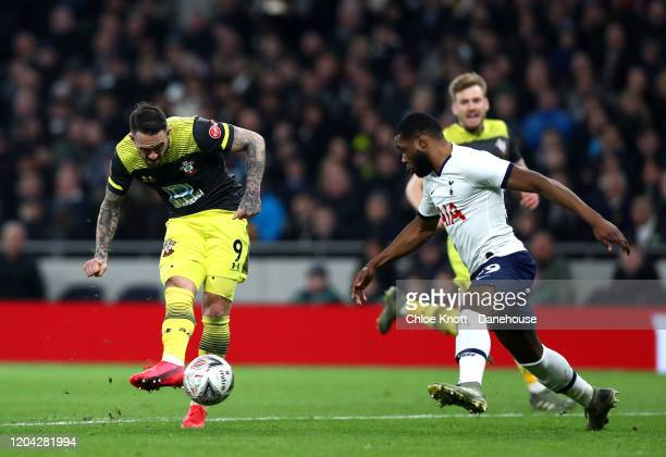 Danny Ings of Southampton FC scores his teams second goal during the FA Cup Fourth Round Replay match between Tottenham Hotspur and Southampton FC at...