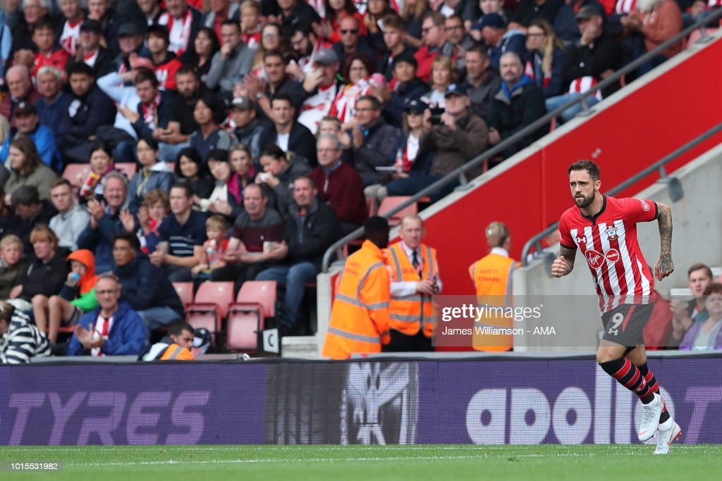 Southampton FC v Burnley FC - Premier League : News Photo
