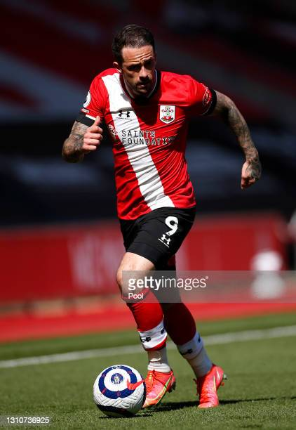 Danny Ings of Southampton runs with the ball during the Premier League match between Southampton and Burnley at St Mary's Stadium on April 04, 2021...