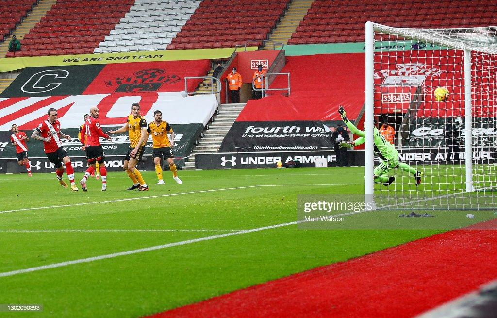 Southampton v Wolverhampton Wanderers - Premier League : News Photo