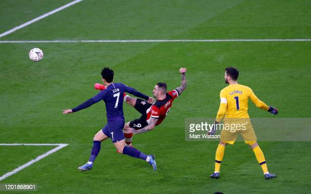 Danny Ings of Southampton shoots at goal during the FA Cup Fourth Round match between Southampton FC and Tottenham Hotspur at St. Mary's Stadium on...