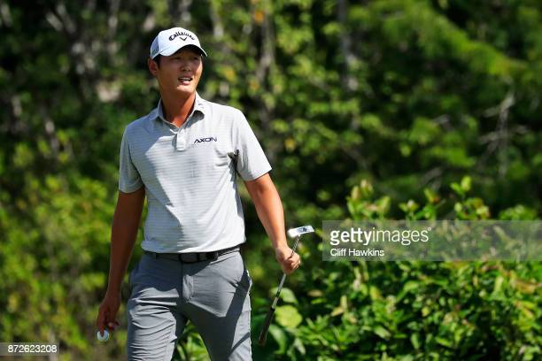 Danny Lee of New Zealand reacts on the sixth green during the second round of the OHL Classic at Mayakoba on November 10 2017 in Playa del Carmen...