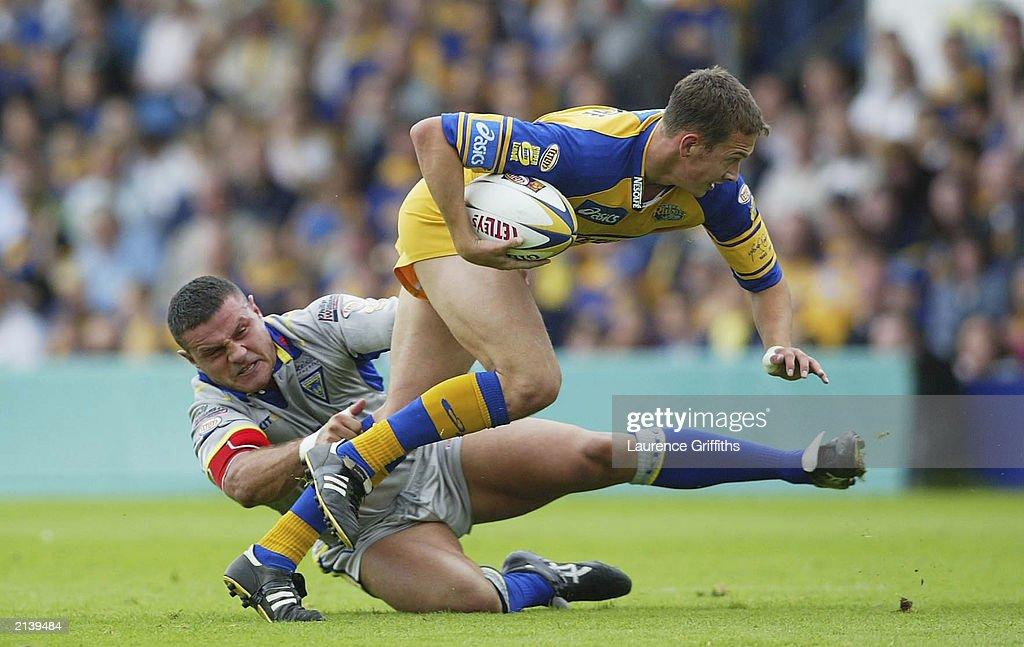 McGuire battles with Clarke  : News Photo
