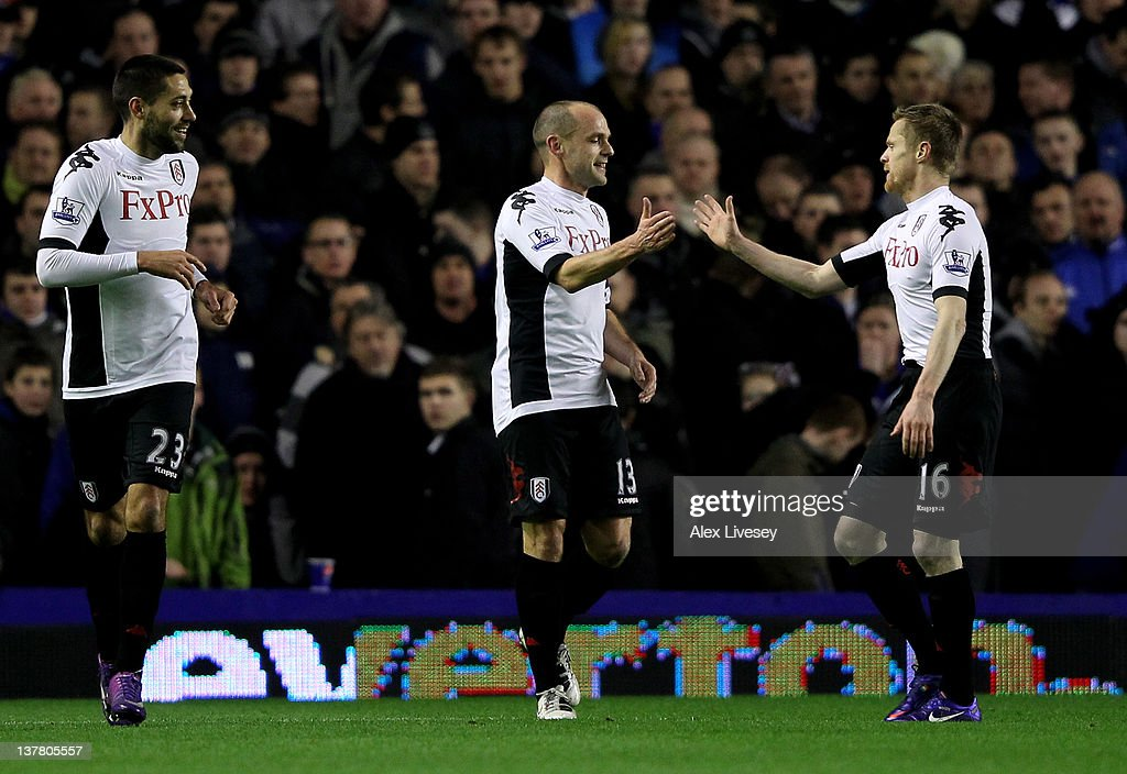 Everton v Fulham - FA Cup Fourth Round : News Photo