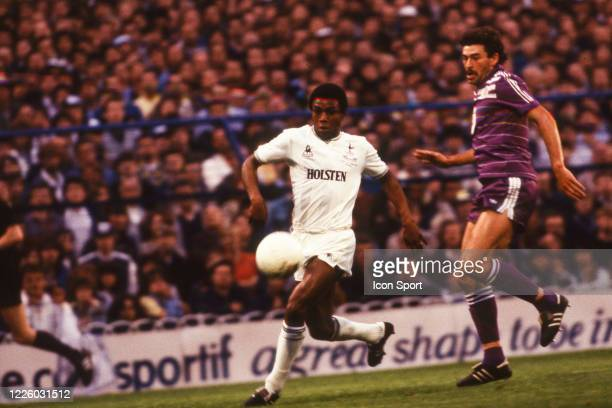 Danny THOMAS of Tottenham and Michel DE GROOTE of Anderlecht during the UEFA Final Cup second leg match between Tottenham and Anderlecht at White...