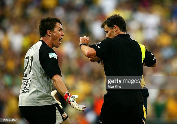 Danny Vukovic of the Mariners argues with referee Mark Shield in the dying minutes during the A-League Grand Final match between the Central Coast...