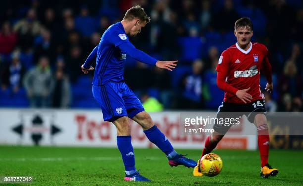 Danny Ward of Cardiff City scores his sides third goal during the Sky Bet Championship match between Cardiff City and Ipswich Town at the Cardiff...