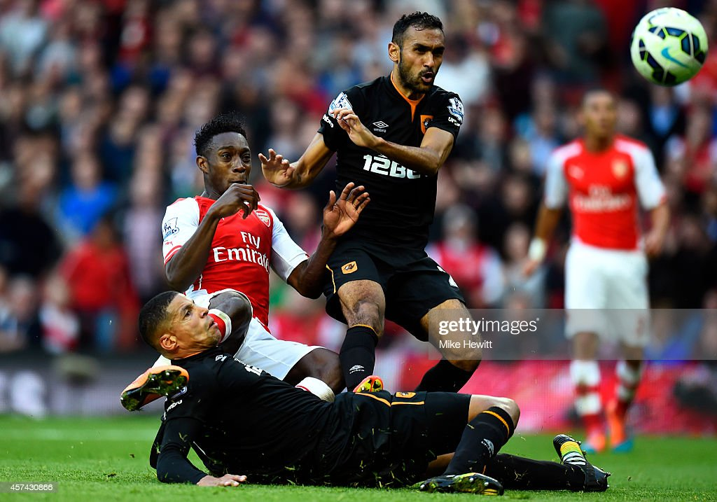 Danny Welbeck of Arsenal scores his team's second goal during the Barclays Premier League match between Arsenal and Hull City at Emirates Stadium on October 18, 2014 in London, England.