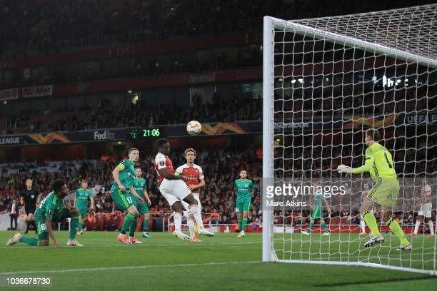 Danny Welbeck of Arsenal scores their 2nd goal during the UEFA Europa League Group E match between Arsenal and Vorskla Poltava at Emirates Stadium on...