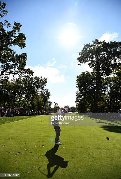 Danny Willett of Europe plays a tee shot during practice prior to the 2016 Ryder Cup at Hazeltine National Golf Club on September 29, 2016 in Chaska,...