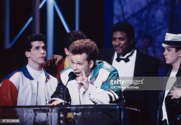 Danny Wood Donnie Wahlberg Maurice Starr Joey McIntyre New Kids On The Block receiving award on the 17th Annual American Music Awards Shrine...
