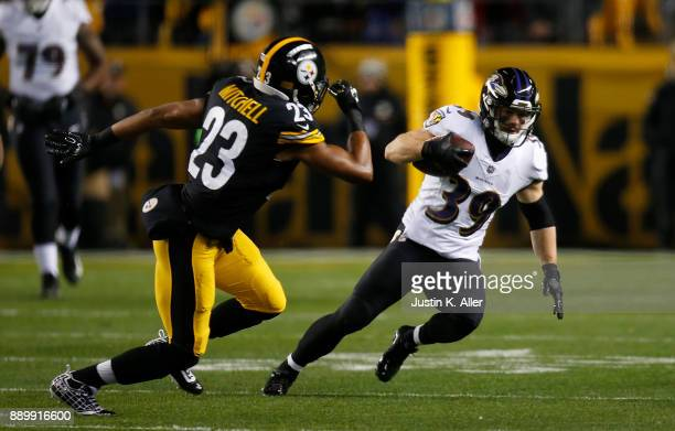 Danny Woodhead of the Baltimore Ravens runs up field after a catch in the first quarter during the game against the Pittsburgh Steelers at Heinz...