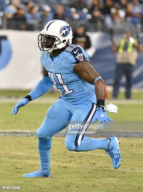 Da'Norris Searcy of the Tennessee Titans plays against the Jacksonville Jaguars at Nissan Stadium on October 27 2016 in Nashville Tennessee