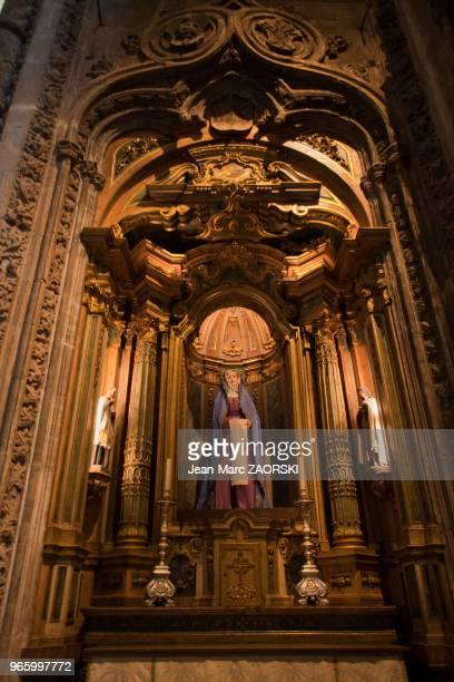 Dans l'église Santa Maria du Monastère des Hiéronymites dans le quartier de Belém praça do Imperio à l'embouchure du fleuve Tage à Lisbonne au...