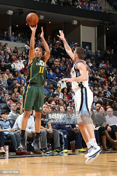 Dante Exum of the Utah Jazz shoots against the Memphis Grizzlies on December 22 2014 at the FedExForum in Memphis Tennessee NOTE TO USER User...