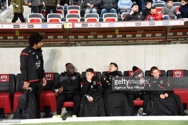 Dante Mario Balotelli Remi Walter Yoan Cardinale Christophe Jallet and Vincent Koziello of Nice during the Ligue 1 match between Nice and Amiens at...