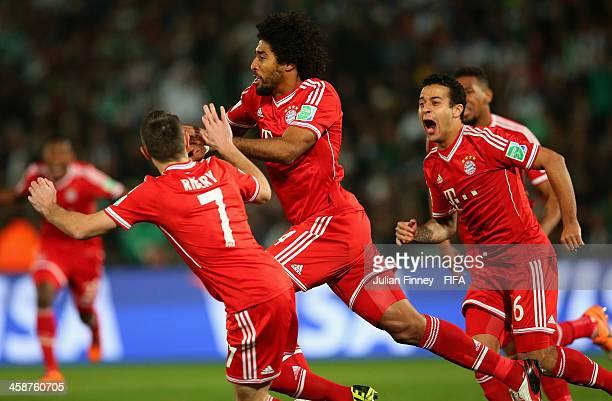 Dante of Bayern Munchen ceebrates scoring to make it 1-0 during the FIFA Club World Cup Final match between FC Bayern Munchen and Raja Casablanca at...
