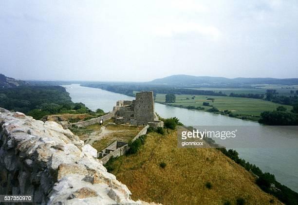 ドナウ川からの眺めデヴィン城,スロバキア