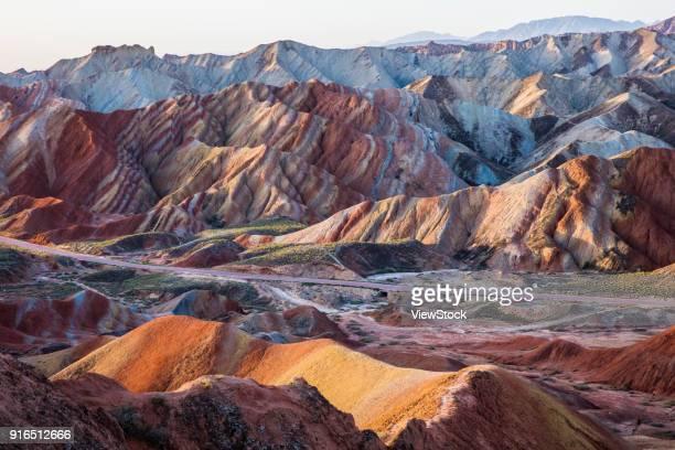 danxia geopark, zhangye, gansu - 丹霞地形 ストックフォトと画像