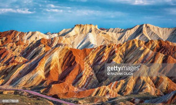 danxia landform - gansu province stock pictures, royalty-free photos & images