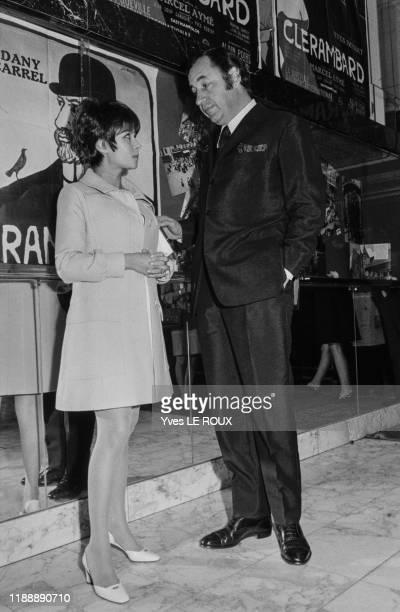 Dany Carrel et Philippe Noiret lors de la 1ère de 'Clerembard' à Paris le 3 octobre 1969 France