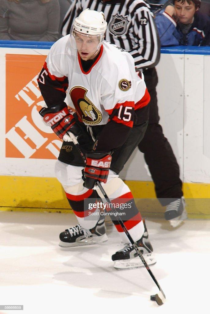 Dany Heatley #15 of the Ottawa Senators handles the puck against the  Atlanta Thrashers during