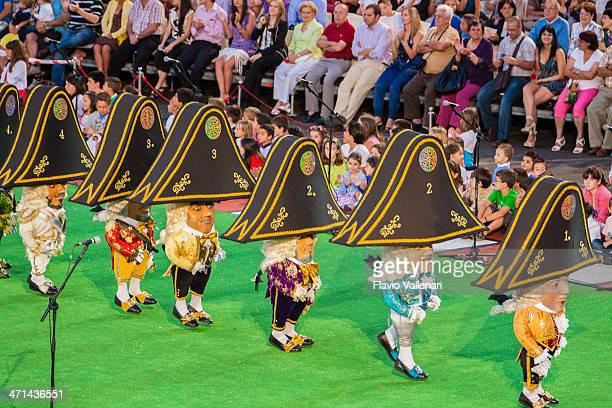 danza de los enanos, la palma - enano fotografías e imágenes de stock