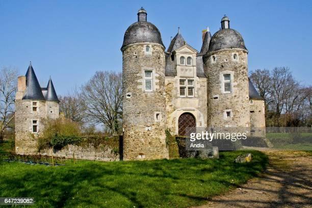 Daon : L'Escoubiere Chateau, castle registered as a National Historic Landmark