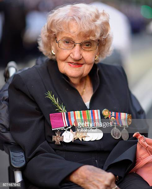 Daphne Dunne widow of Victoria Cross recipient Albert Chowne VC MM prior to the Anzac Day March in Sydney
