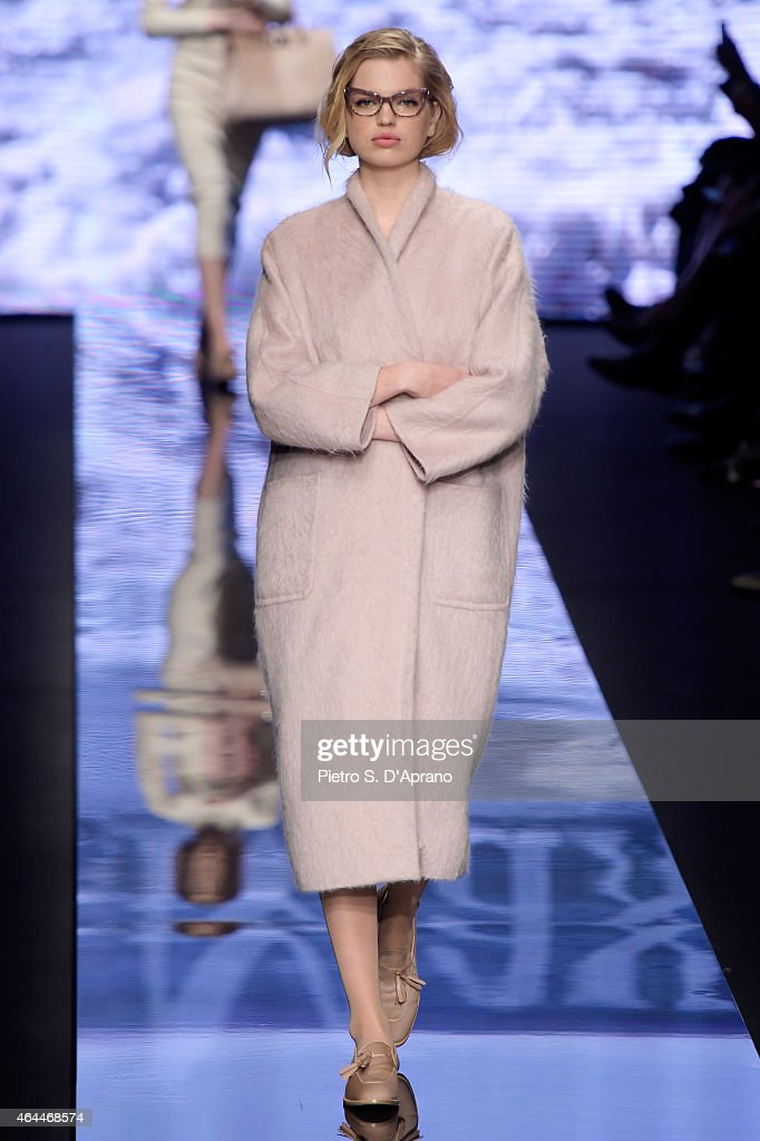 Daphne Groeneveld walks the runway at the Max Mara show during the Milan Fashion Week Autumn/Winter 2015 on February 26, 2015 in Milan, Italy.