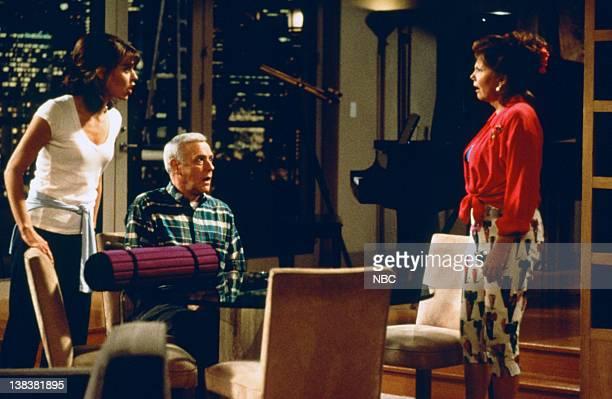FRASIER Daphne Hates Sherry Episode 20 Pictured Jane Leeves as Daphne Moon John Mahoney as Martin Crane Marsha Mason as Sherry Dempsey