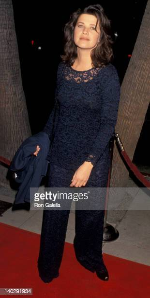 Daphne Zuniga at the Los Angeles Premiere of 'Mrs Doubtfire' Academy Theater Beverly Hills