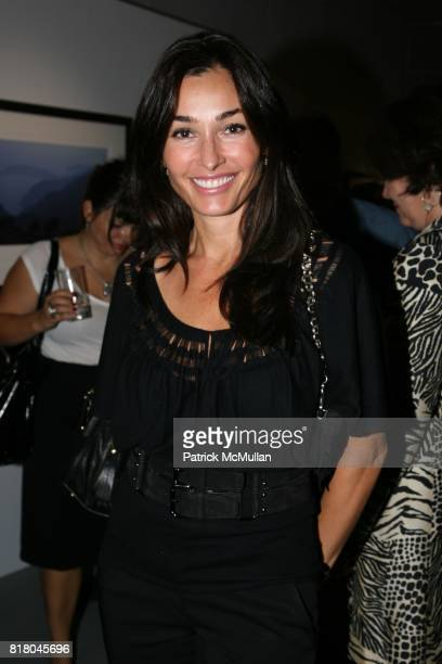 Dara Tomanovich attends DEWAR's hosts exhibition opening for JULIAN LENNON at Morrison Hotel Gallery on September 16 2010 in New York