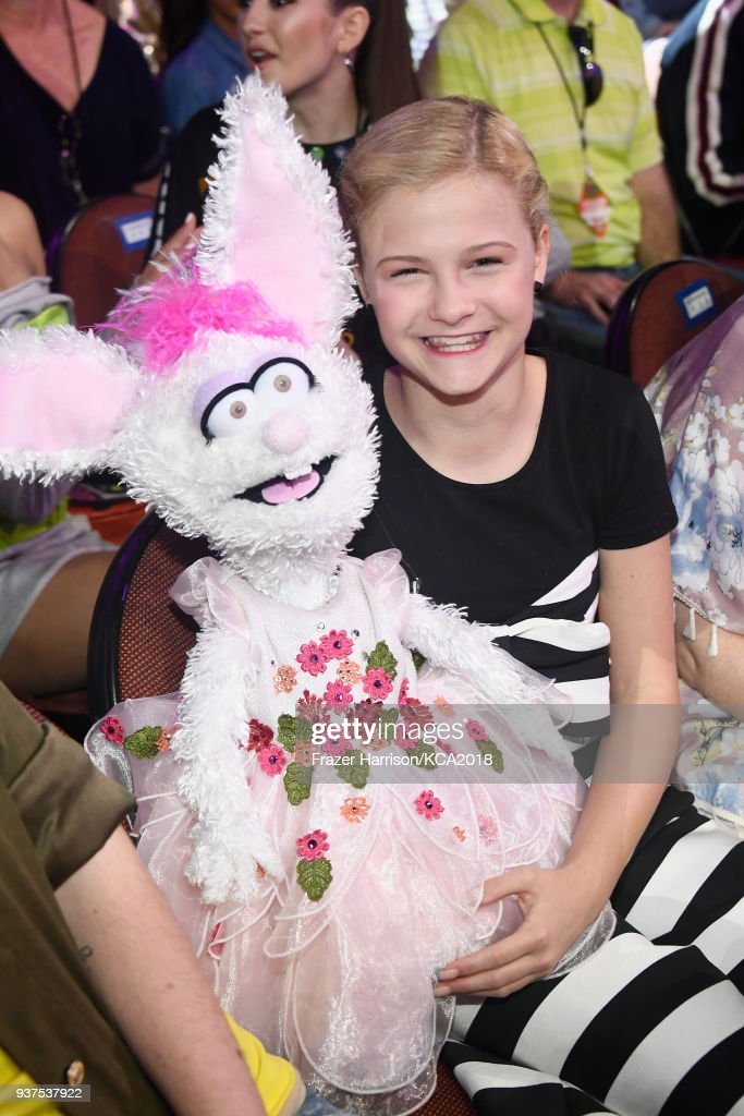 Darci Lynne poses at Nickelodeon's 2018 Kids' Choice Awards at The Forum on March 24, 2018 in Inglewood, California.