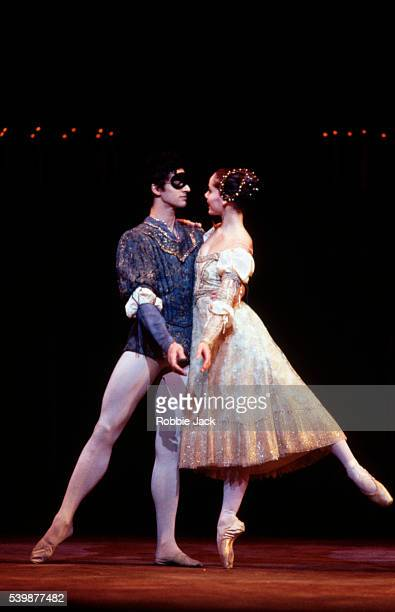 Darcy Bussell and Jonathan Cope in the Royal Ballet production of Romeo and Juliet