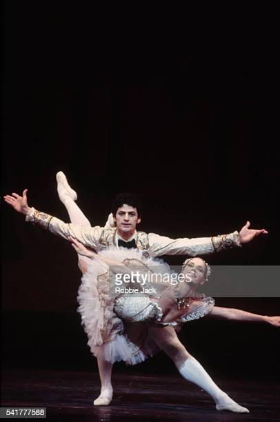 Darcy Bussell and Jonathan Cope in The Sleeping Beauty