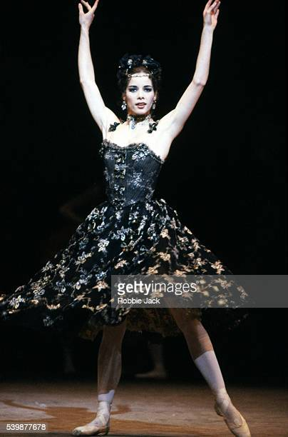 darcy bussell in the royal ballet production of manon - robbie jack stock-fotos und bilder