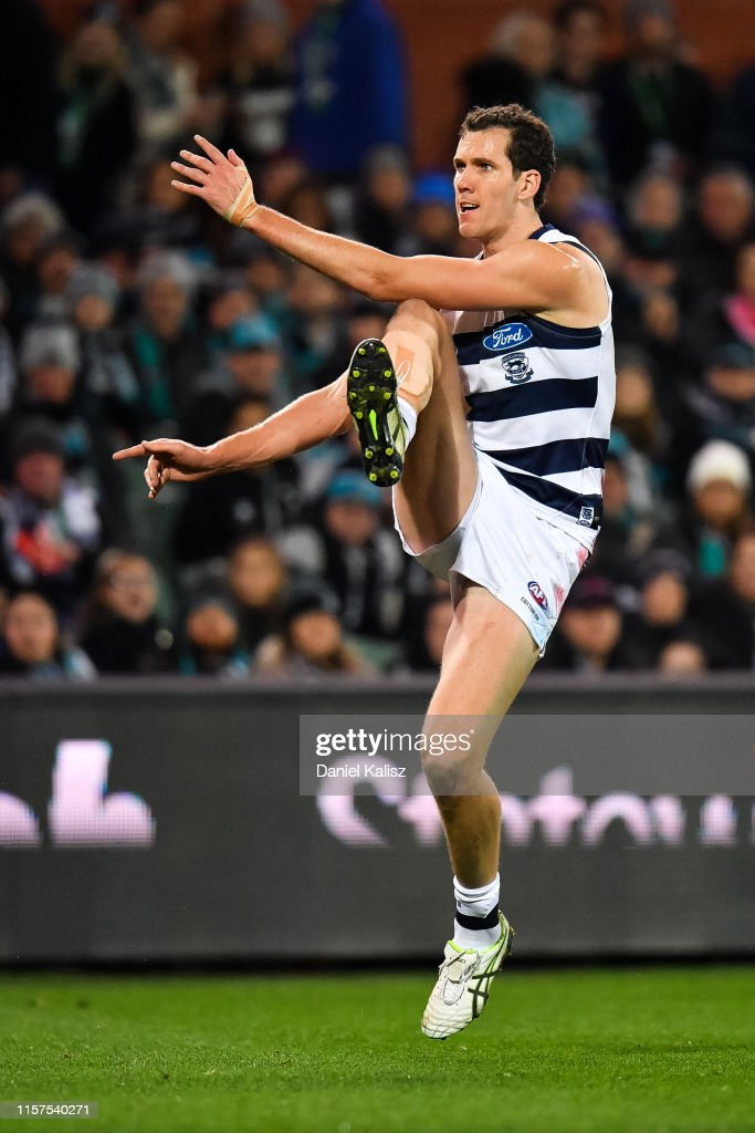 AFL Rd 14 - Port Adelaide v Geelong : News Photo