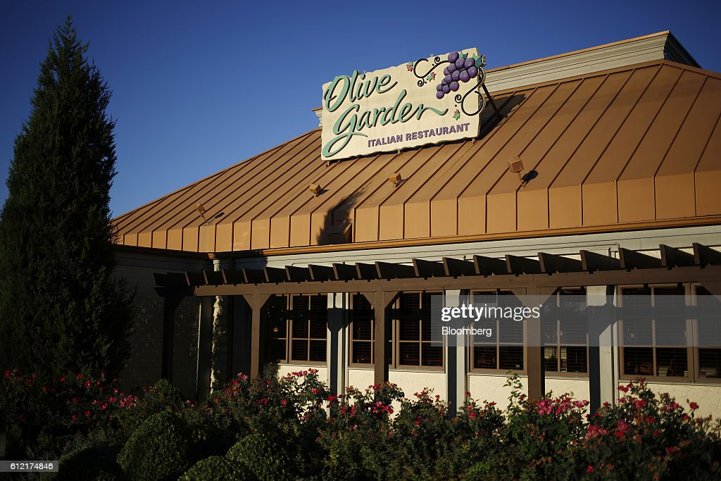 a darden restaurants inc olive garden location stands in louisville kentucky us - Olive Garden Louisville